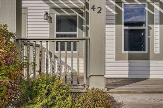 Photo 2: 42 COPPERPOND Place SE in Calgary: Copperfield Semi Detached for sale : MLS®# C4270792