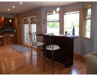 """Photo 4: 2055 MAMQUAM Road in Squamish: Garibaldi Estates House for sale in """"GARIBALDI ESTATES"""" : MLS®# V766913"""