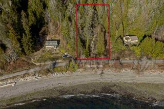 "Photo 1: Lot 4 OCEAN BEACH Esplanade in Gibsons: Gibsons & Area Land for sale in ""Bonniebrook/Chaster Beach"" (Sunshine Coast)  : MLS®# R2347212"