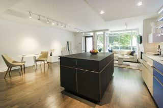 Photo 6: 861 RICHARDS STREET in Vancouver: Downtown VW Townhouse for sale (Vancouver West)  : MLS®# R2276991