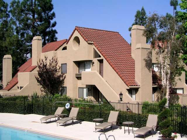 Main Photo: RANCHO BERNARDO Condo for sale : 1 bedrooms : 17955 Caminito Pinero #284 in San Diego