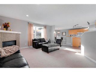 Photo 3: 27 VALLEY STREAM Manor NW in Calgary: Valley Ridge House for sale