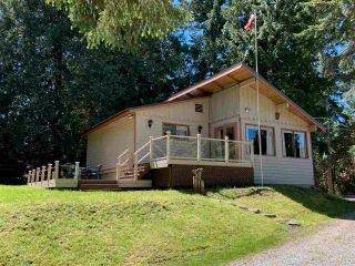 Photo 1: 516 BAYVIEW Drive: Mayne Island House for sale (Islands-Van. & Gulf)  : MLS®# R2580553
