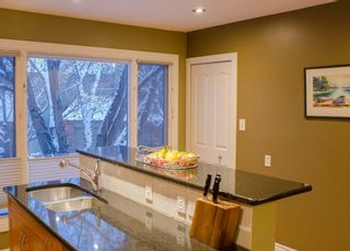 Photo 15: 3905 POINT MCKAY Road NW in Calgary: Point McKay Row/Townhouse for sale : MLS®# C4279923