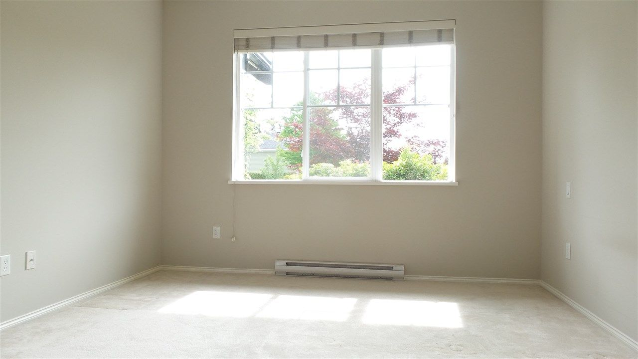 Photo 9: Photos: 5 15868 85 AVENUE in Surrey: Fleetwood Tynehead Townhouse for sale : MLS®# R2075002