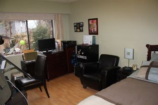 Photo 13: 9342 NO 2 Road in Richmond: Woodwards 1/2 Duplex for sale : MLS®# R2135193