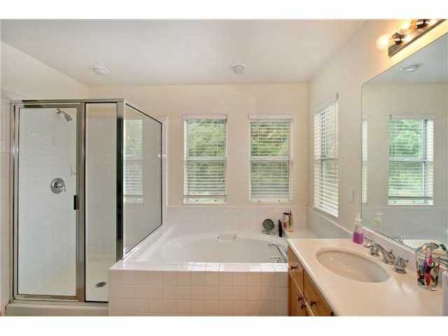 Photo 9: Photos: EAST ESCONDIDO House for sale : 5 bedrooms : 2329 FALLBROOK PLACE in ESCONDIDO