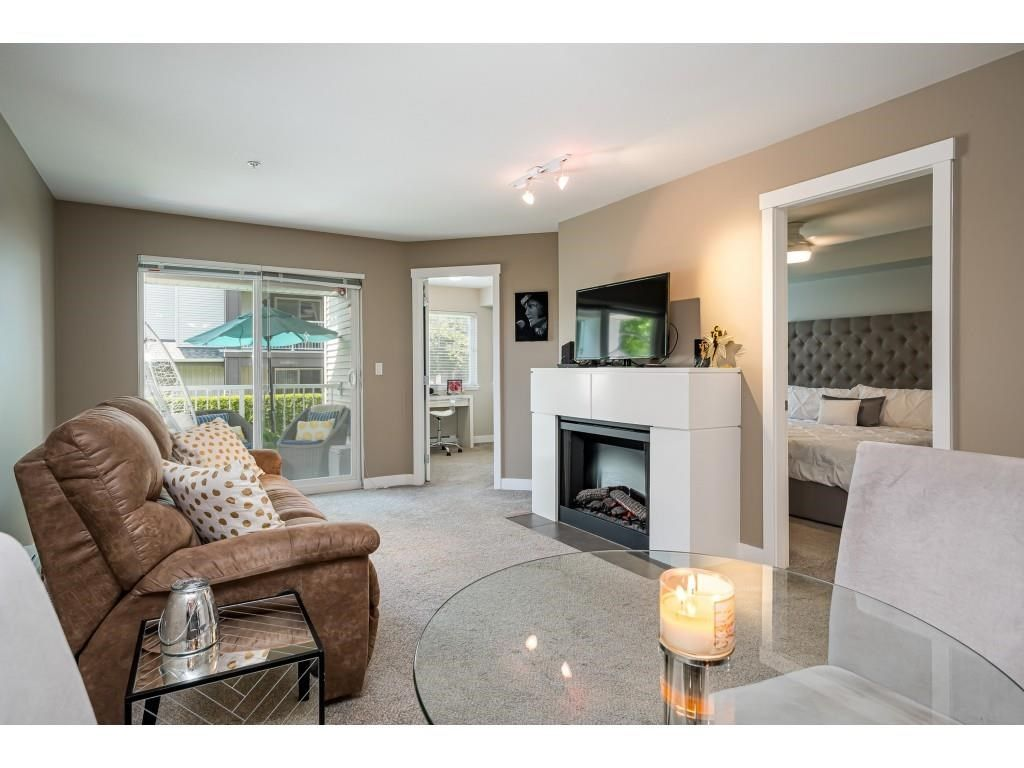 """Photo 14: Photos: 204 19366 65 Avenue in Surrey: Clayton Condo for sale in """"LIBERTY AT SOUTHLANDS"""" (Cloverdale)  : MLS®# R2591315"""