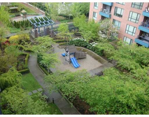 """Photo 5: Photos: 610 5288 MELBOURNE Street in Vancouver: Collingwood VE Condo for sale in """"EMERALD PARK PLACE"""" (Vancouver East)  : MLS®# V764667"""