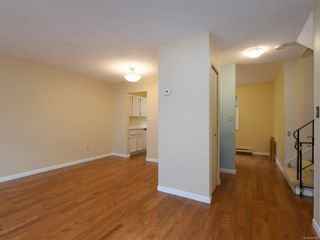 Photo 10: 102 1611 Belmont Ave in : Vi Fernwood Row/Townhouse for sale (Victoria)  : MLS®# 865974