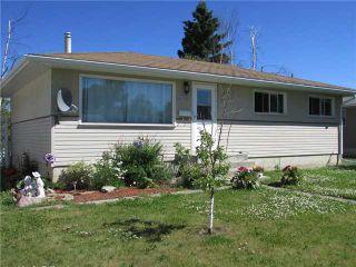 Photo 1: 9612 PEACE RIVER Road in Fort St. John: Fort St. John - City NE House for sale (Fort St. John (Zone 60))  : MLS®# N237757