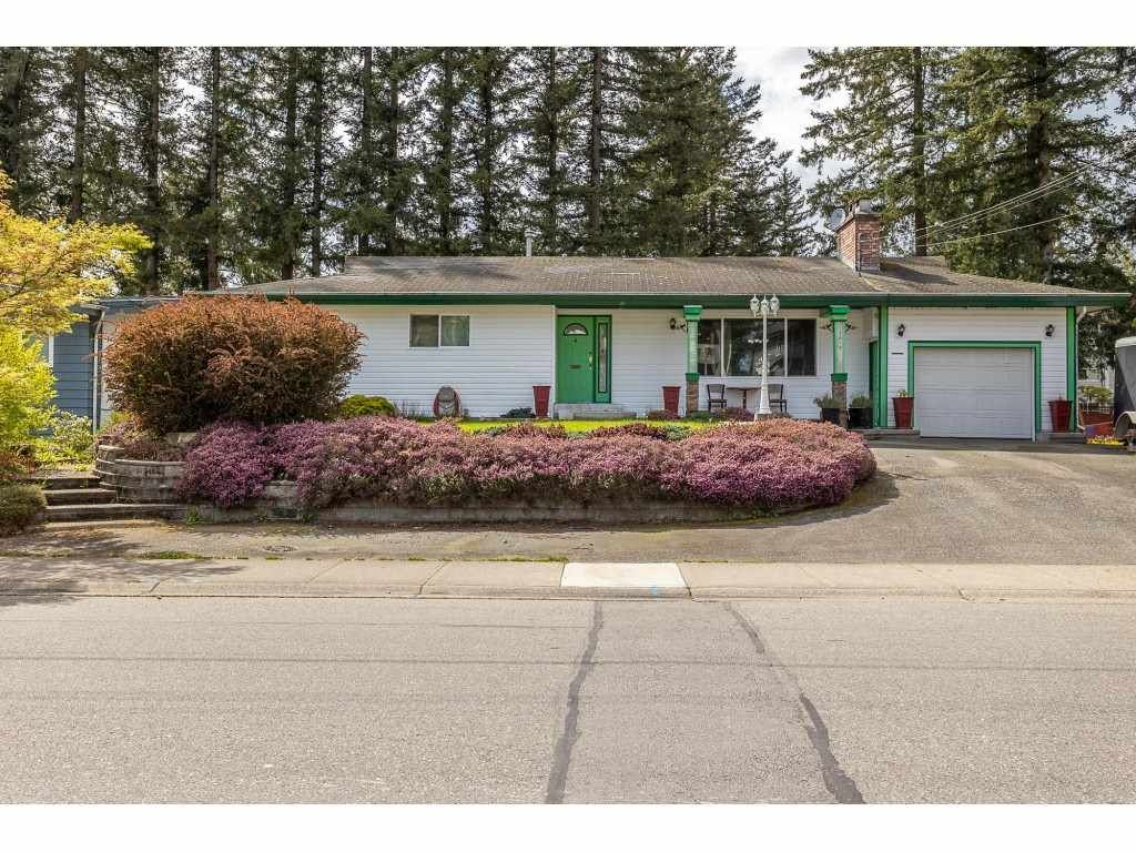 Main Photo: 3013 PRINCESS Street in Abbotsford: Central Abbotsford House for sale : MLS®# R2571706