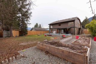 "Photo 37: 41362 DRYDEN Road in Squamish: Brackendale House for sale in ""BRACKENDALE"" : MLS®# R2539818"