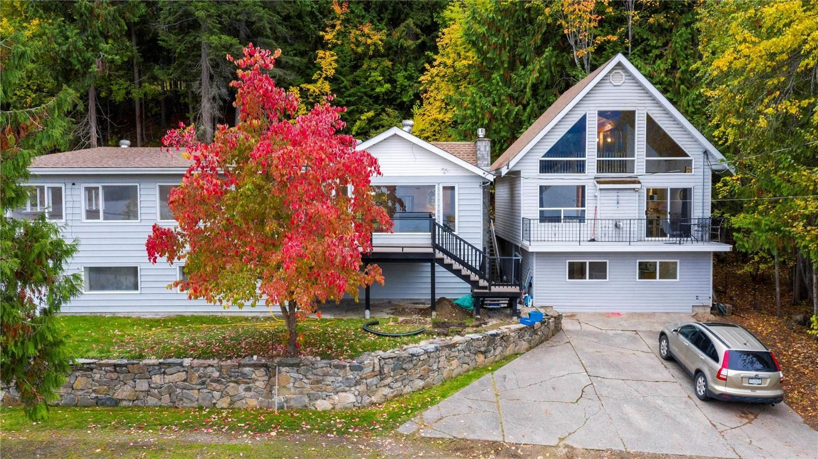 Main Photo: 3490 Eagle Bay Road, in Salmon Arm: House for sale : MLS®# 10241680