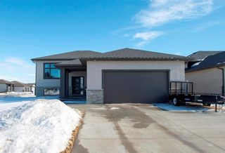 Photo 1: 184 St. Andrews Way in Niverville: The Highlands Residential for sale (R07)  : MLS®# 202103344