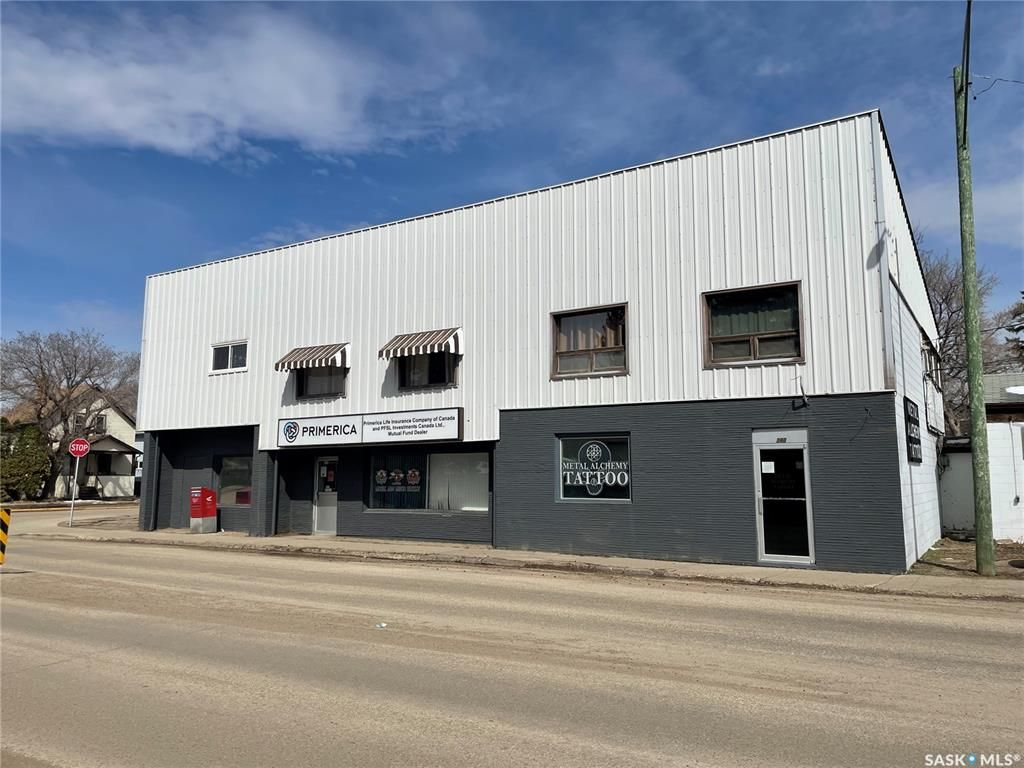 Main Photo: 380 Saskatchewan Street West in Moose Jaw: Central MJ Commercial for sale : MLS®# SK850175