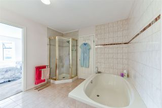 "Photo 33: 407 777 EIGHTH Street in New Westminster: Uptown NW Condo for sale in ""Moody Gardens"" : MLS®# R2479408"