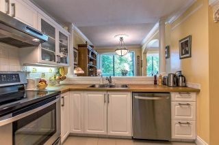 """Photo 8: 301 1785 MARTIN Drive in Surrey: Sunnyside Park Surrey Condo for sale in """"Southwynd"""" (South Surrey White Rock)  : MLS®# R2185400"""
