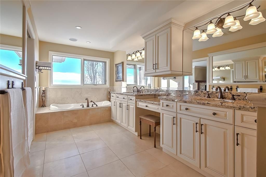 Photo 27: Photos: 153 SIGNATURE Close SW in Calgary: Signal Hill Detached for sale : MLS®# C4283177
