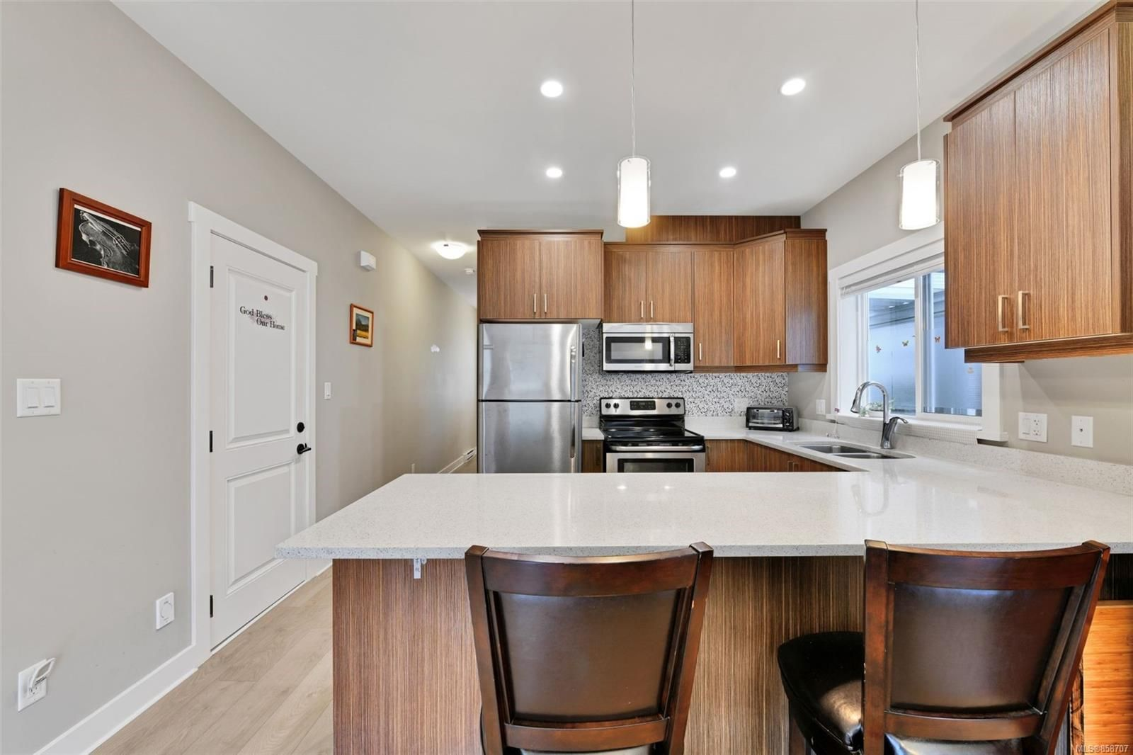 Photo 6: Photos: 1262 McLeod Pl in : La Happy Valley House for sale (Langford)  : MLS®# 858707
