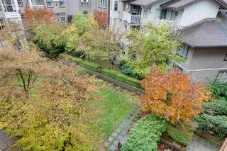 """Photo 10: 2403 4625 VALLEY Drive in Vancouver: Quilchena Condo for sale in """"ALEXANDRA HOUSE"""" (Vancouver West)  : MLS®# R2419187"""
