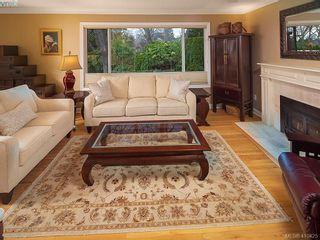 Photo 9: 2084 Windsor Rd in VICTORIA: OB South Oak Bay House for sale (Oak Bay)  : MLS®# 813554