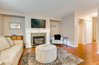 """Photo 3: 558 CARLSEN Place in Port Moody: North Shore Pt Moody Townhouse for sale in """"Eagle Point complex"""" : MLS®# R2388336"""