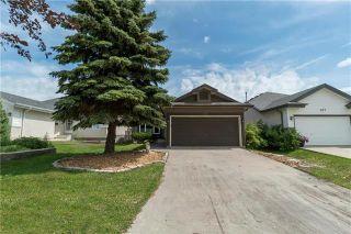 Photo 1: 111 Royal Oak Drive in Winnipeg: Whyte Ridge Residential for sale (1P)  : MLS®# 1901436