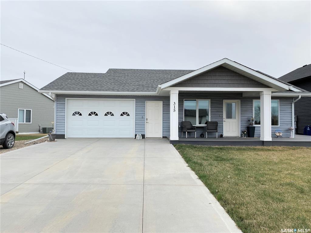 Main Photo: 315 McGregor Street in Davidson: Residential for sale : MLS®# SK854569