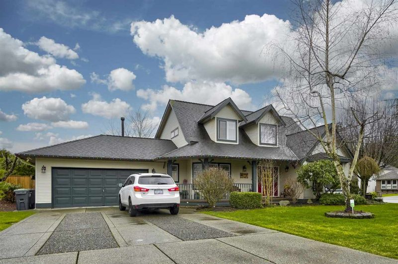 FEATURED LISTING: 22238 45 Avenue Langley