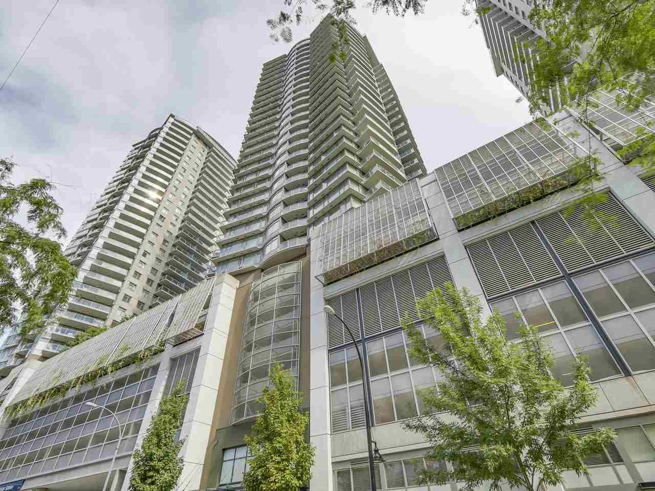 """Main Photo: 1908 892 CARNARVON Street in New Westminster: Downtown NW Condo for sale in """"AZURE 2"""" : MLS®# R2191316"""