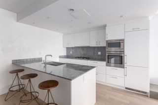 """Photo 6: 1001 728 W 8TH Avenue in Vancouver: Fairview VW Condo for sale in """"700 WEST 8TH"""" (Vancouver West)  : MLS®# R2059033"""