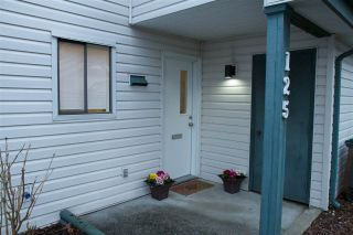 """Photo 3: 125 13714 67 Avenue in Surrey: East Newton Townhouse for sale in """"HYLAND CREEK"""" : MLS®# R2140065"""
