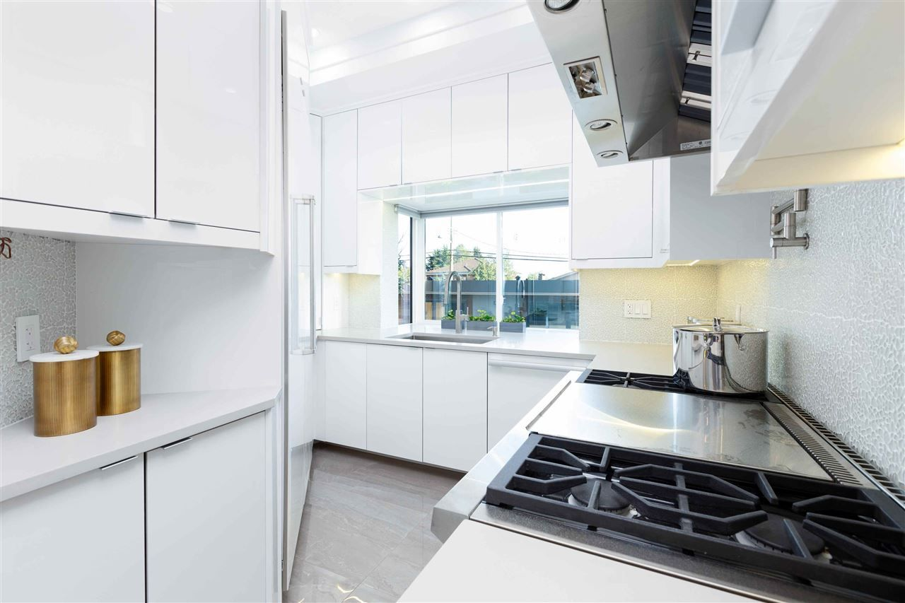 Photo 8: Photos: 1388 W 57TH Avenue in Vancouver: South Granville House for sale (Vancouver West)  : MLS®# R2533172