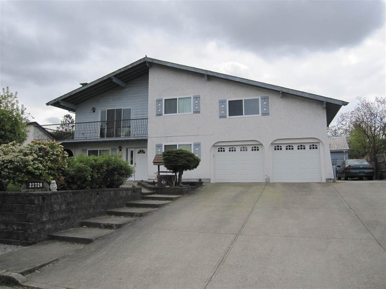 Main Photo: 22720 REID Avenue in Maple Ridge: East Central House for sale : MLS®# R2056575