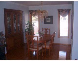 Photo 2: 916 MCIVOR Avenue in WINNIPEG: North Kildonan Single Family Detached for sale (North East Winnipeg)  : MLS®# 2709860