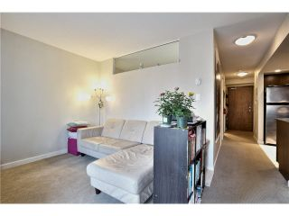 "Photo 4: 703 1212 HOWE Street in Vancouver: Downtown VW Condo for sale in ""1212 HOWE"" (Vancouver West)  : MLS®# V1111343"