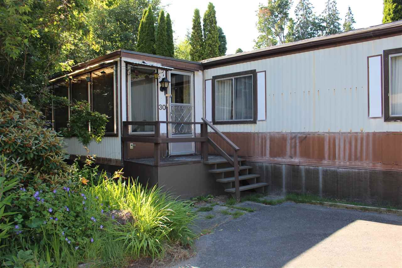 "Main Photo: 30 1123 FLUME Road: Roberts Creek Manufactured Home for sale in ""IKELON MOBILE HOME PARK"" (Sunshine Coast)  : MLS®# R2291630"