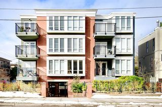 """Photo 1: 203 2825 ALDER Street in Vancouver: Fairview VW Condo for sale in """"BRETON MEWS"""" (Vancouver West)  : MLS®# R2248577"""