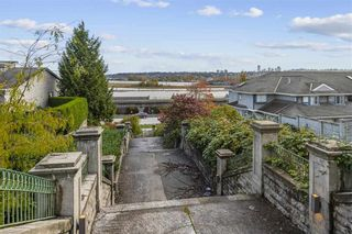 Photo 4: 319 GOVERNORS Court in New Westminster: Fraserview NW Office for sale : MLS®# C8037232