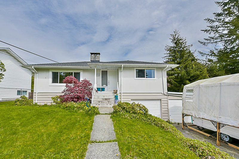 Main Photo: 12034 261 STREET in : Websters Corners House for sale : MLS®# R2165096