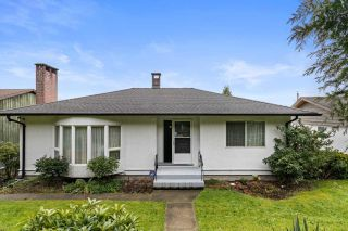 Photo 1: 4582 SUNLAND Place in Burnaby: South Slope House for sale (Burnaby South)  : MLS®# R2582864