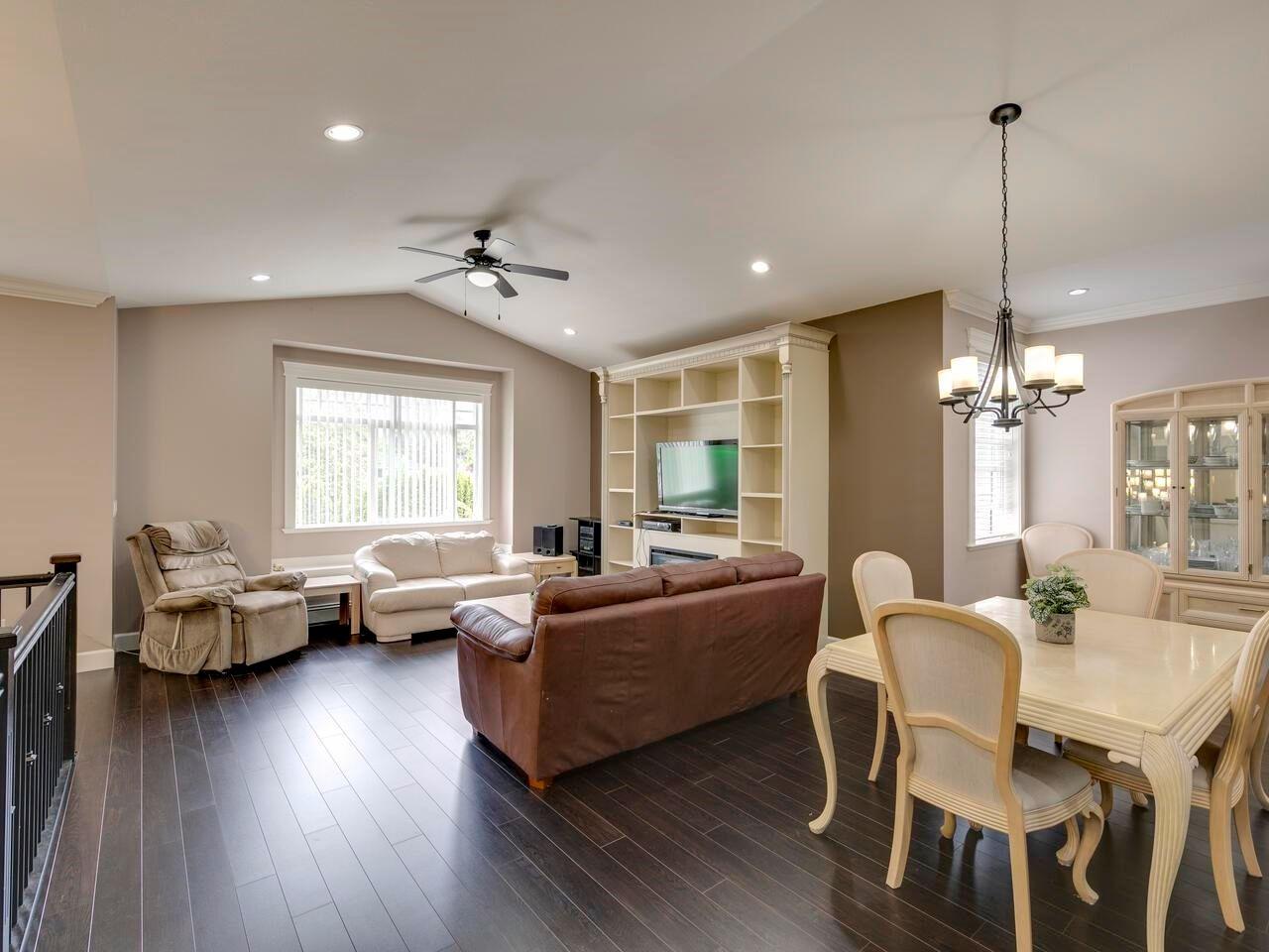 "Photo 6: Photos: 22845 126B Avenue in Maple Ridge: East Central House for sale in ""EAST CENTRAL MAPLE RIDGE"" : MLS®# R2594638"