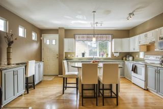 """Photo 10: 18468 66A Avenue in Surrey: Cloverdale BC House for sale in """"HEARTLAND"""" (Cloverdale)  : MLS®# R2476706"""