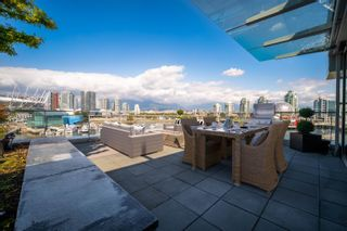 """Photo 31: 701 151 ATHLETES Way in Vancouver: False Creek Condo for sale in """"CANADA HOUSE ON THE WATER"""" (Vancouver West)  : MLS®# R2617164"""