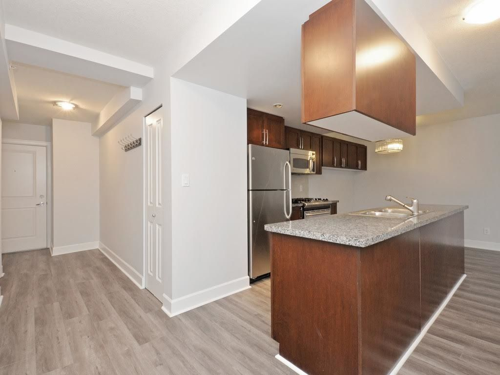 """Photo 7: Photos: 403 3811 HASTINGS Street in Burnaby: Vancouver Heights Condo for sale in """"MONDEO"""" (Burnaby North)  : MLS®# R2119090"""