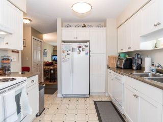 """Photo 6: 74 32959 GEORGE FERGUSON Way in Abbotsford: Central Abbotsford Townhouse for sale in """"Oakhurst"""" : MLS®# R2431213"""