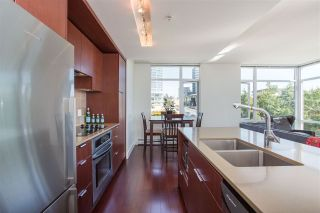 """Photo 8: 304 158 W 13TH Street in North Vancouver: Central Lonsdale Condo for sale in """"Vista Place"""" : MLS®# R2304505"""