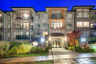 Photo 1: 310 3178 DAYANEE SPRINGS BL BOULEVARD in Coquitlam: Westwood Plateau Condo for sale : MLS®# R2262658