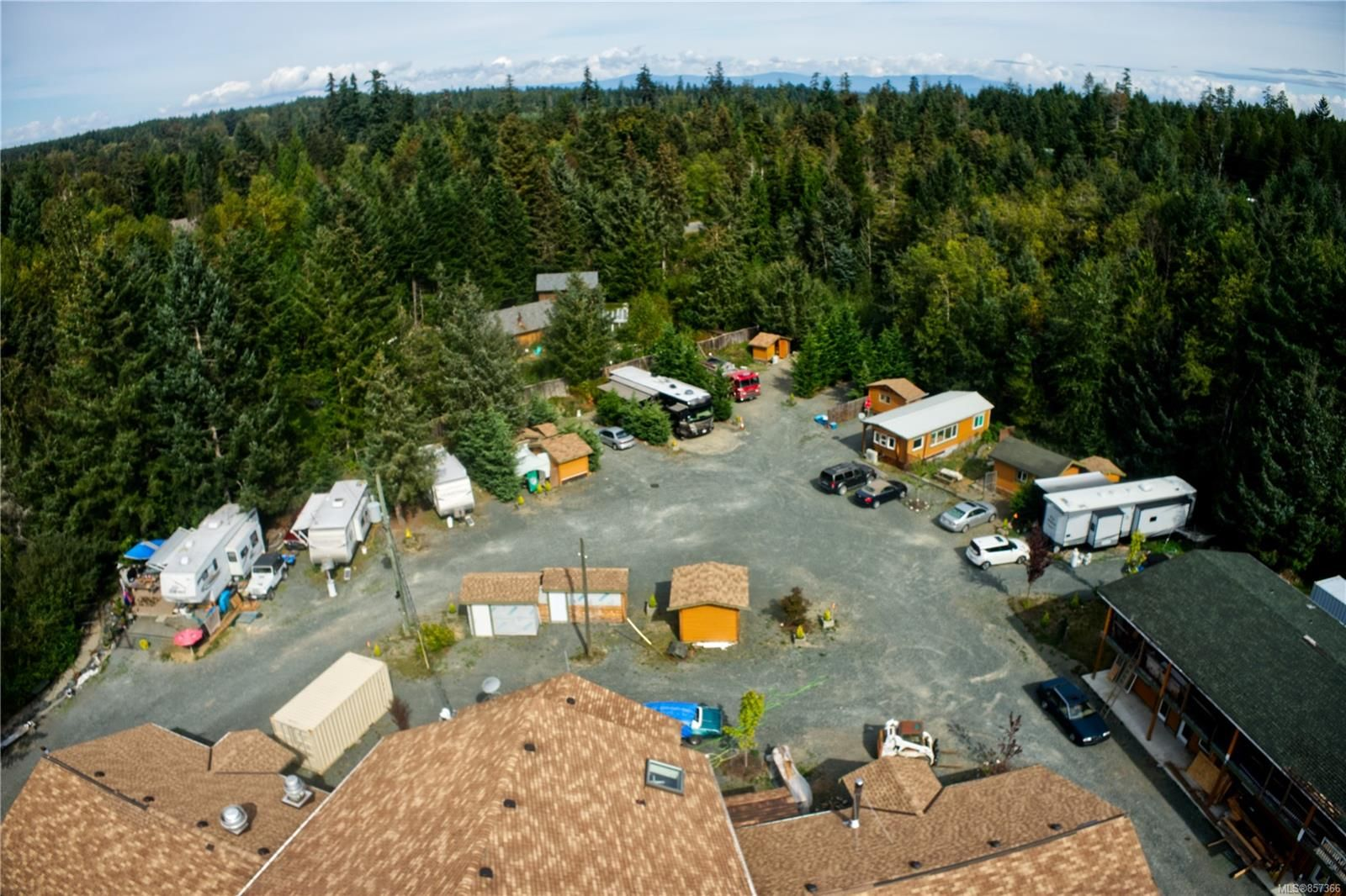 Photo 5: Photos: 1747 Nahmint Rd in : PQ Qualicum North Mixed Use for sale (Parksville/Qualicum)  : MLS®# 857366